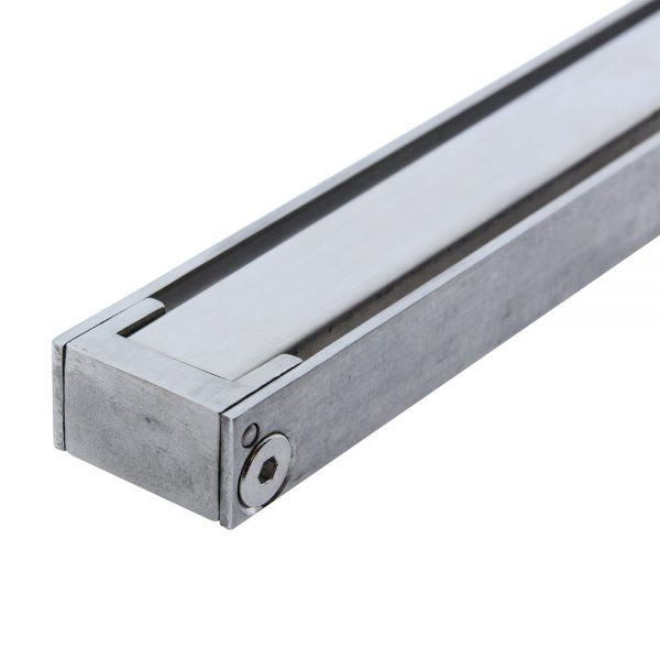 dettaglio griglia acciaio canalina